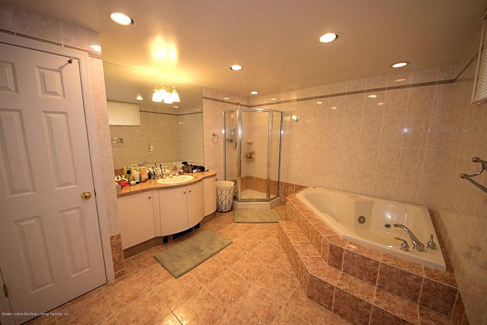 Single Family - Detached 14 Burbank Avenue  Staten Island, NY 10306, MLS-1115515-17