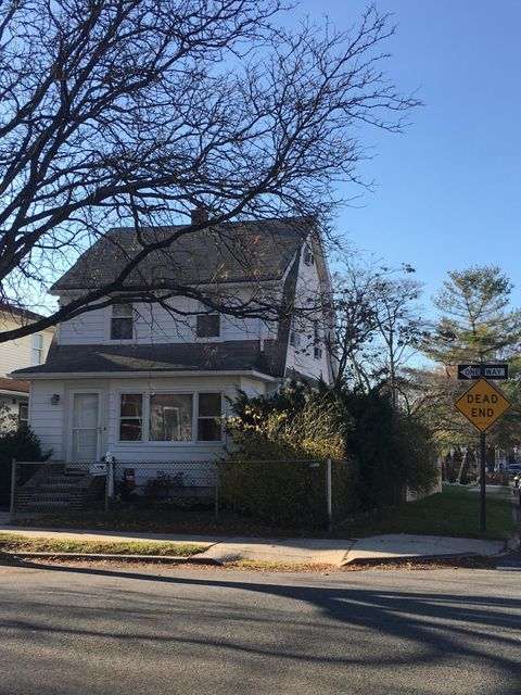Single Family Home for Sale at 130 Woolley Avenue Staten Island, New York 10314 United States