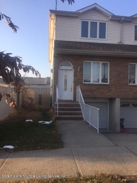 Single Family Home for Sale at 7 Keating Place Staten Island, New York 10314 United States