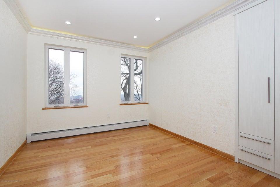 Single Family - Detached 363 Howard Avenue  Staten Island, NY 10301, MLS-1115674-20