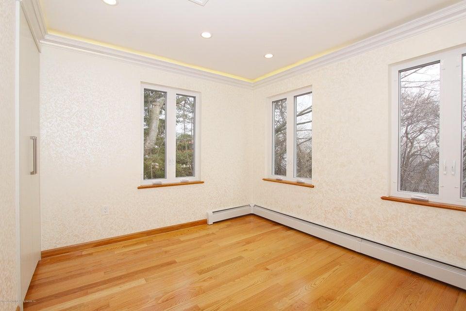 Single Family - Detached 363 Howard Avenue  Staten Island, NY 10301, MLS-1115674-21