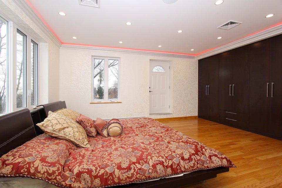 Single Family - Detached 363 Howard Avenue  Staten Island, NY 10301, MLS-1115674-23
