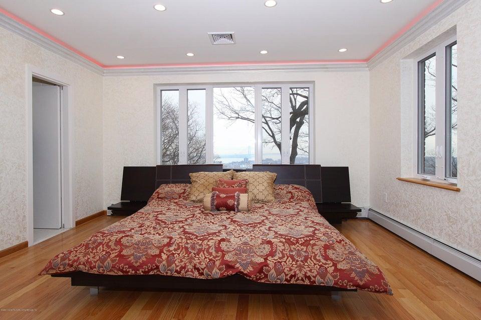 Single Family - Detached 363 Howard Avenue  Staten Island, NY 10301, MLS-1115674-24