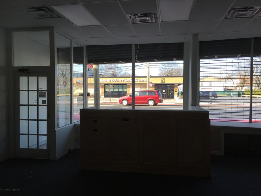 Commercial for Rent at 1836 Hylan Boulevard Staten Island, New York 10305 United States