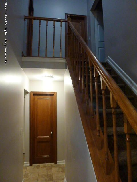 Additional photo for property listing at 101 Pond Way  Staten Island, New York 10303 United States