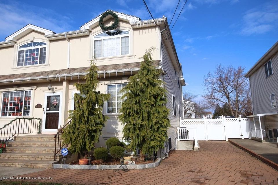 Single Family - Semi-Attached in Rossville - 63 Pond Street  Staten Island, NY 10309