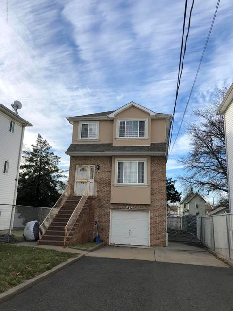Single Family Home for Rent at 134 South Avenue Staten Island, New York 10303 United States