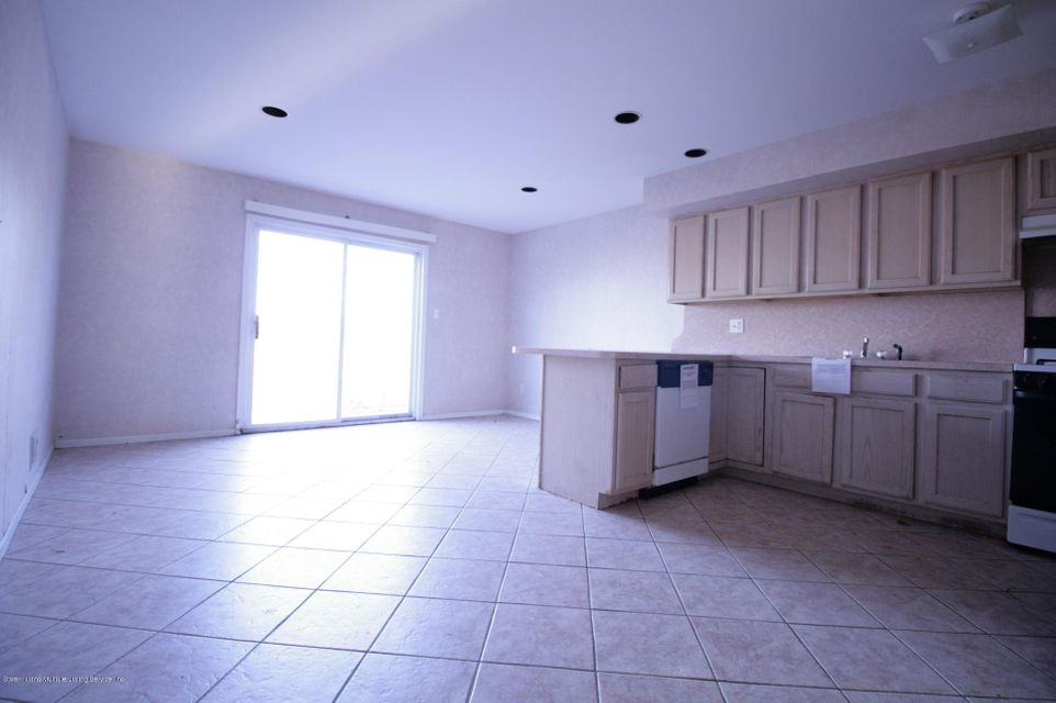 Two Family - Attached 64 Pelican Circle  Staten Island, NY 10306, MLS-1115720-10