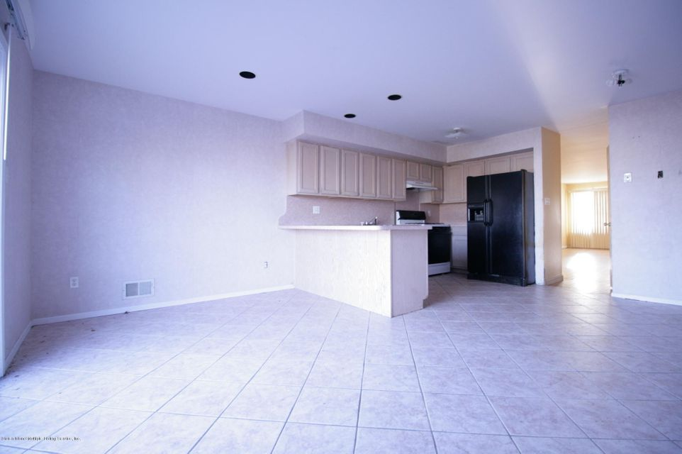 Two Family - Attached 64 Pelican Circle  Staten Island, NY 10306, MLS-1115720-11