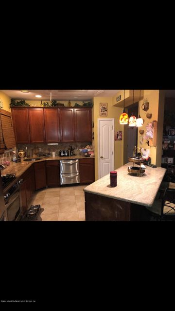 Two Family - Detached 286 Mallory Avenue  Staten Island, NY 10305, MLS-1115236-18