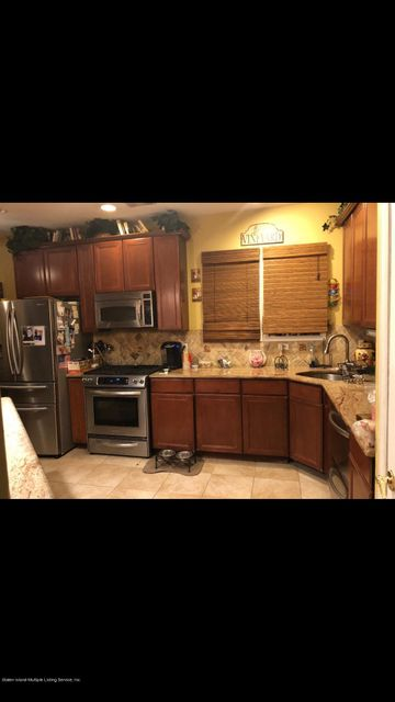 Two Family - Detached 286 Mallory Avenue  Staten Island, NY 10305, MLS-1115236-20