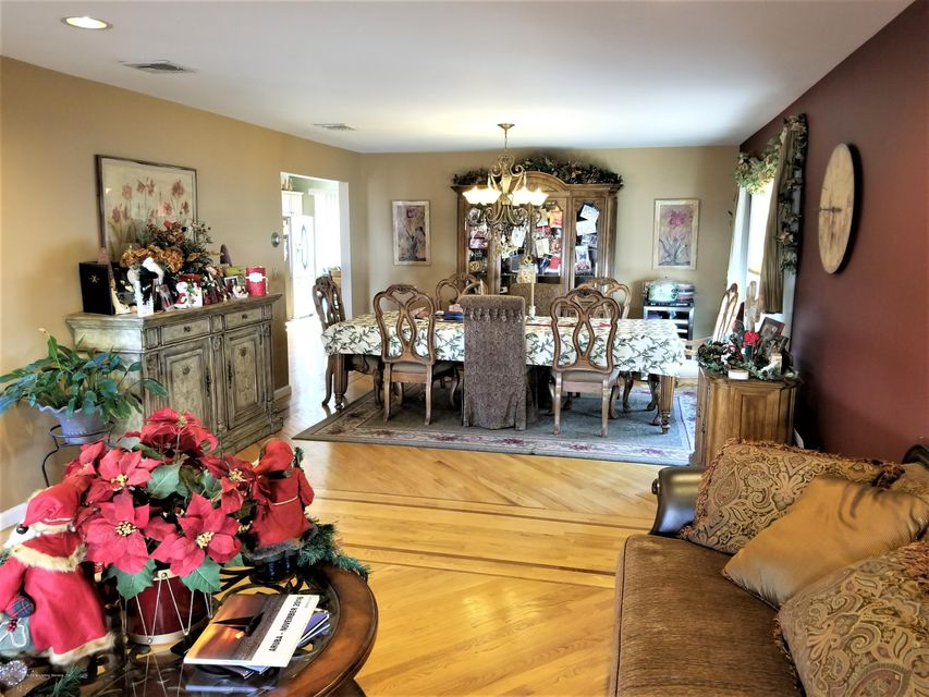 Two Family - Detached 26 Rochelle Place  Staten Island, NY 10312, MLS-1115801-7