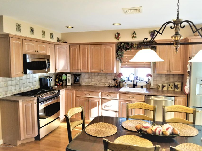 Two Family - Detached 26 Rochelle Place  Staten Island, NY 10312, MLS-1115801-9