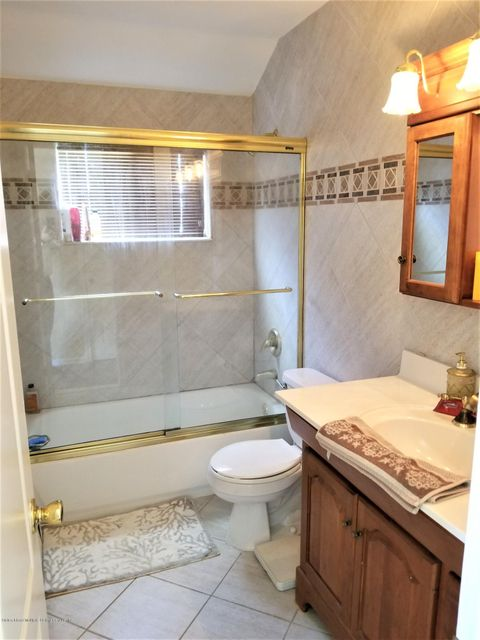 Two Family - Detached 26 Rochelle Place  Staten Island, NY 10312, MLS-1115801-15