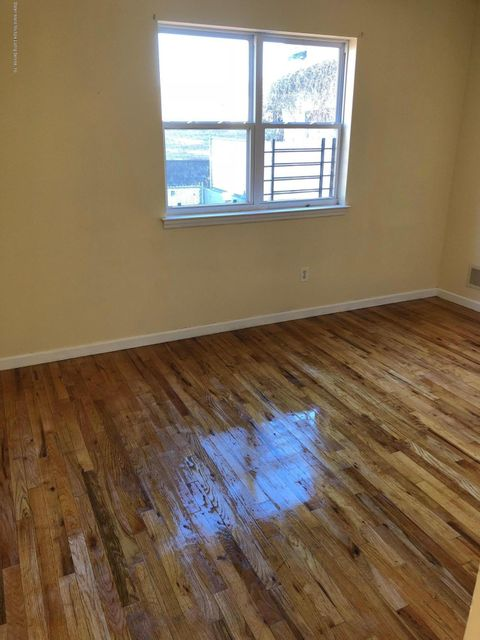 Additional photo for property listing at 33 White Plains Avenue  Staten Island, New York 10305 United States