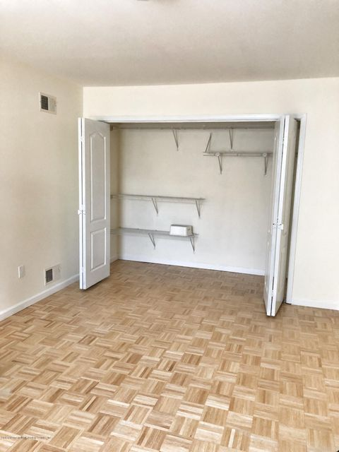 Additional photo for property listing at 40 Seaside Lane  Staten Island, New York 10305 United States
