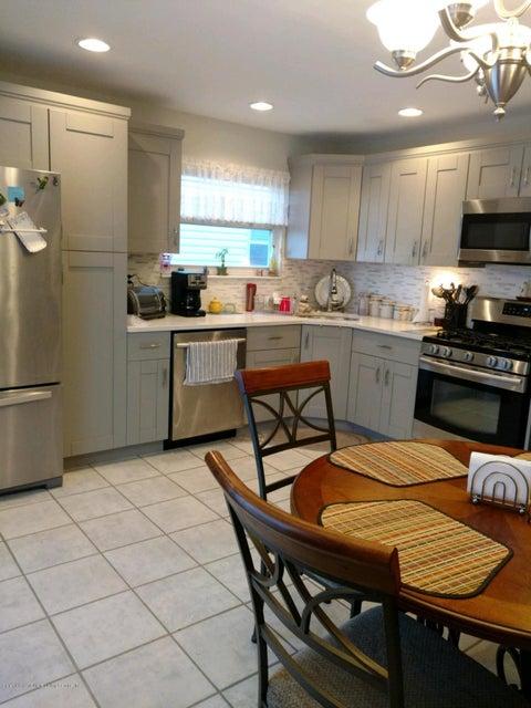 Single Family - Semi-Attached 102 Stack Drive  Staten Island, NY 10312, MLS-1115880-2