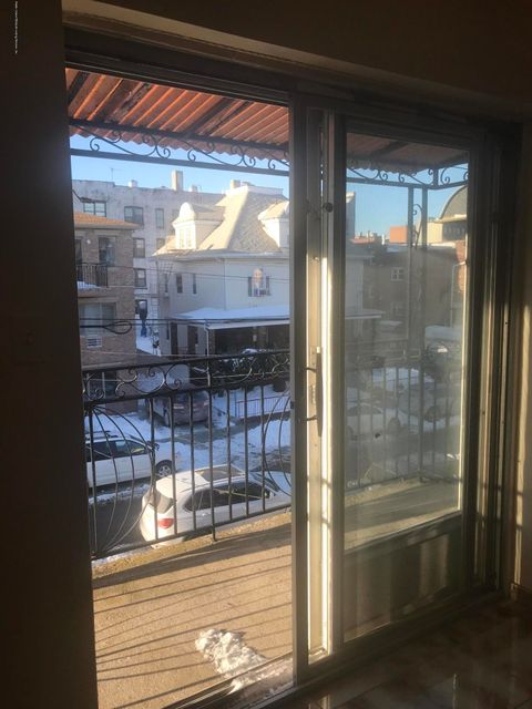 Additional photo for property listing at 105 Bay 31st Street  Brooklyn, New York 11214 United States