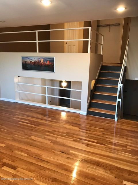 Additional photo for property listing at 175 Zoe Street  Staten Island, New York 10305 United States