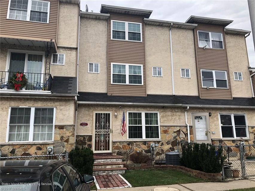Single Family Home for Sale at 44 Skyline Drive Staten Island, New York 10304 United States