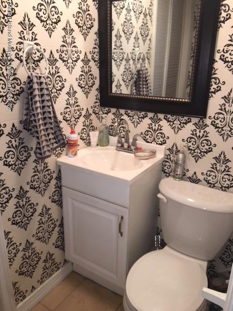 Additional photo for property listing at 258 Hett Avenue  Staten Island, New York 10306 United States