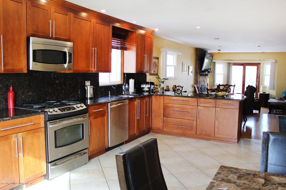 Single Family - Semi-Attached 664 Travis Avenue  Staten Island, NY 10314, MLS-1116000-3