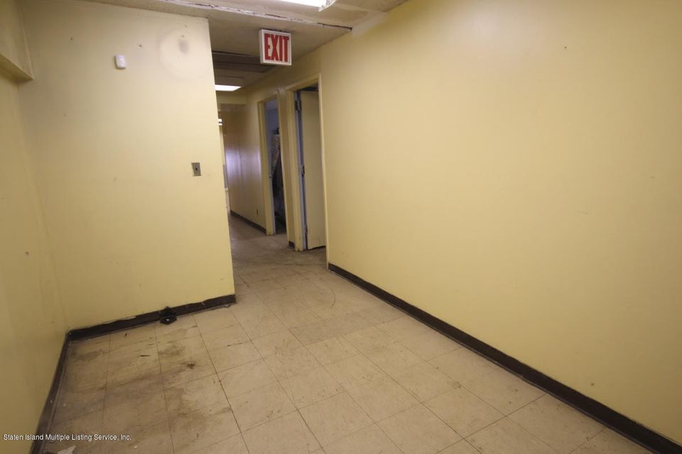 Additional photo for property listing at 513 Targee Street  Staten Island, New York 10304 United States