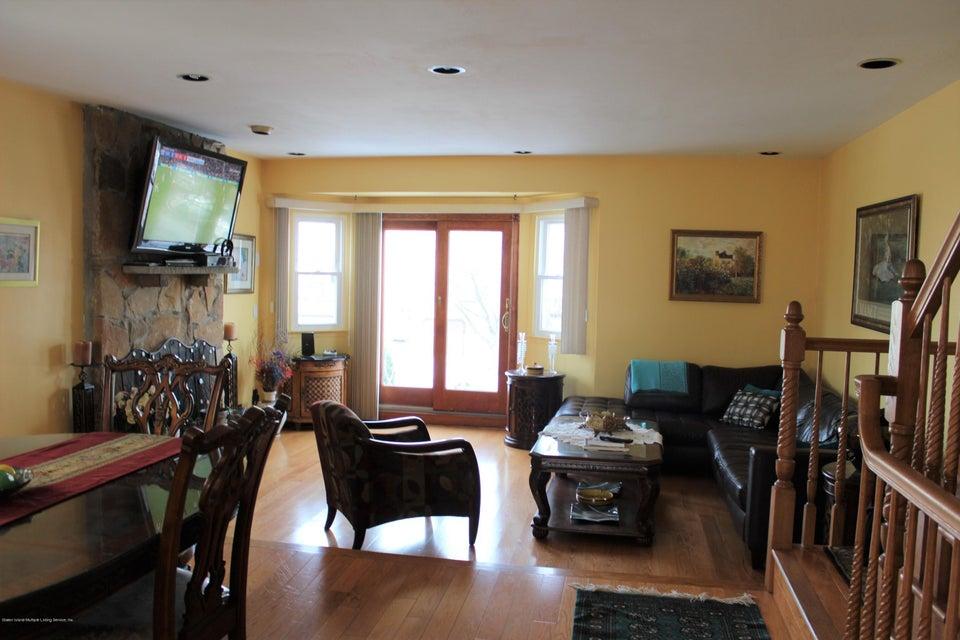 Single Family - Semi-Attached 664 Travis Avenue  Staten Island, NY 10314, MLS-1116000-9