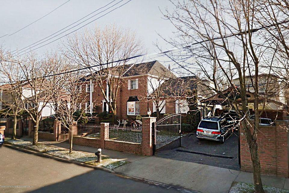 Single Family - Detached in Rossville - 726 Correll Avenue  Staten Island, NY 10309