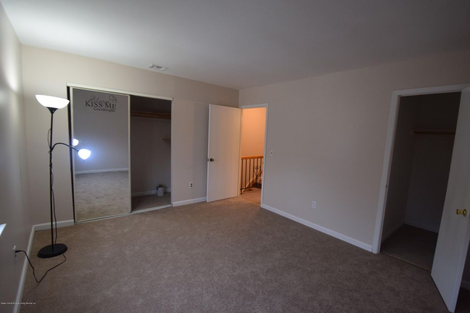 Single Family - Attached 30 Locust Court  Staten Island, NY 10309, MLS-1115521-4