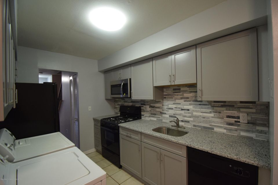 Single Family - Attached 30 Locust Court  Staten Island, NY 10309, MLS-1115521-3