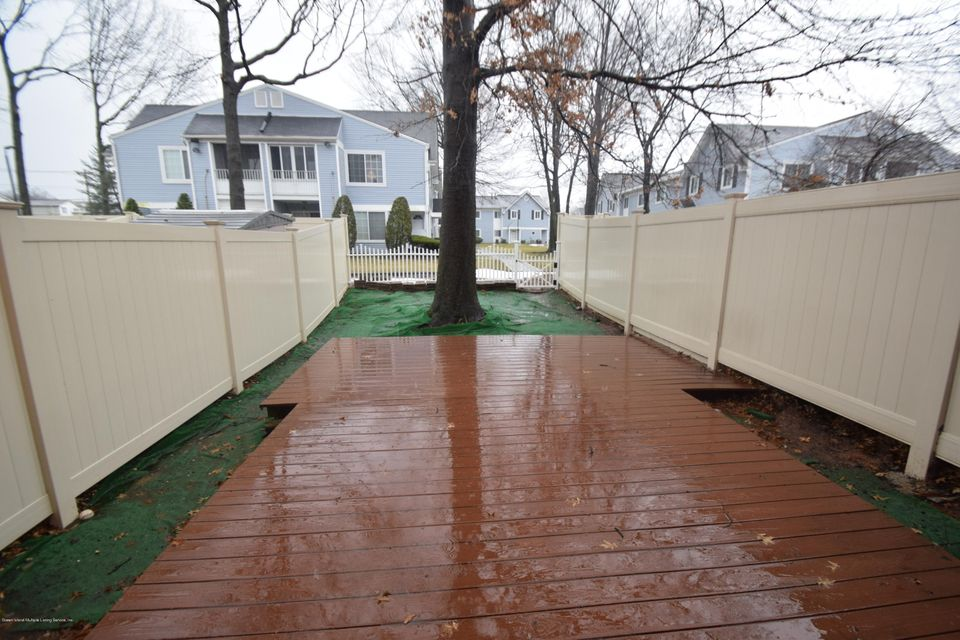 Single Family - Attached 30 Locust Court  Staten Island, NY 10309, MLS-1115521-11