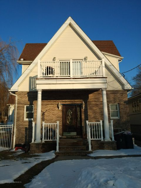 Two Family - Detached in Pleasant Plains - 337 Sharrott Avenue  Staten Island, NY 10309