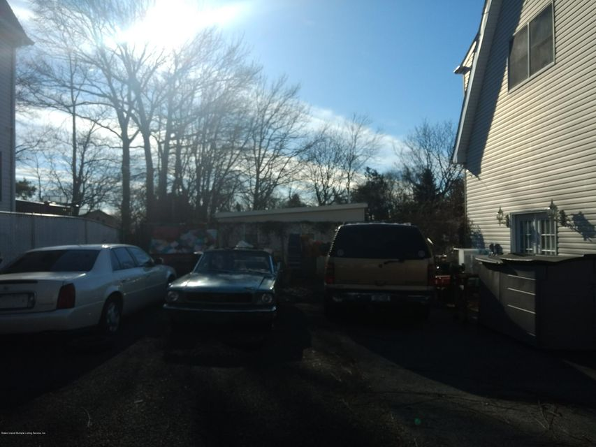 Two Family - Detached 337 Sharrott Avenue  Staten Island, NY 10309, MLS-1115959-23