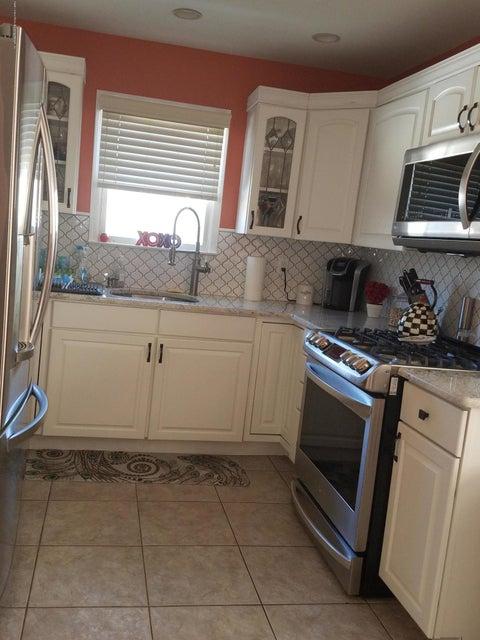 Single Family - Detached 437 Manhattan Street  Staten Island, NY 10307, MLS-1116045-5