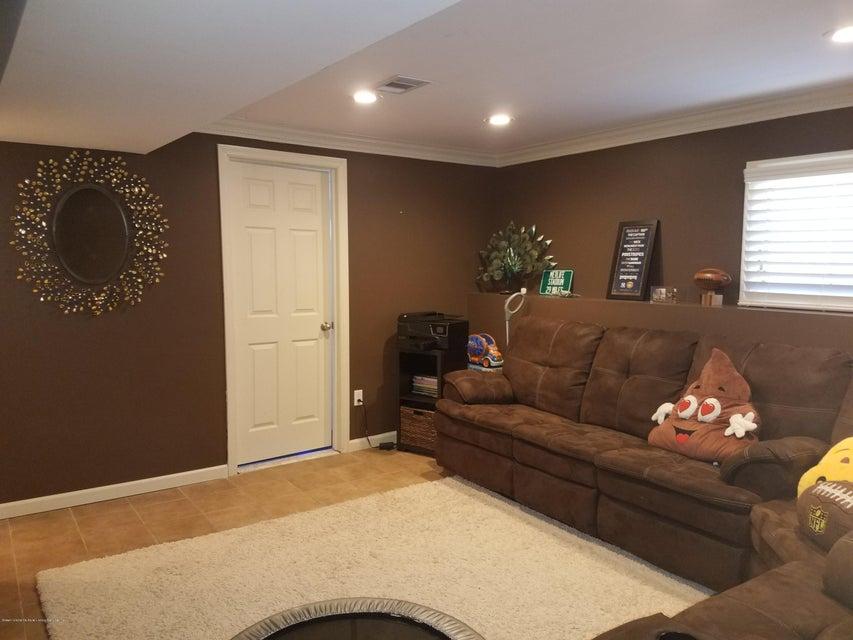 Single Family - Detached 437 Manhattan Street  Staten Island, NY 10307, MLS-1116045-15