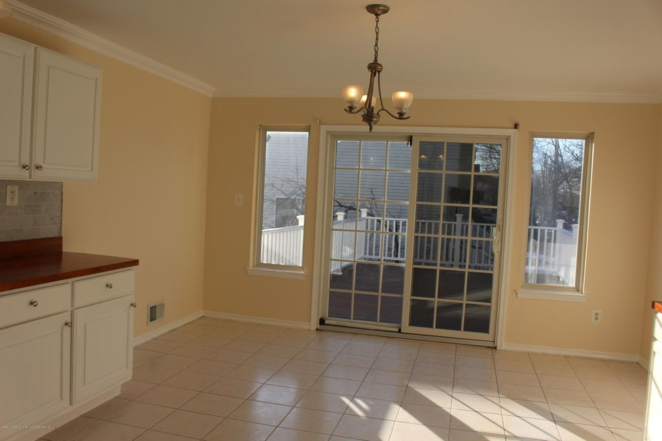 Additional photo for property listing at 702 Bloomingdale Road  Staten Island, New York 10309 United States