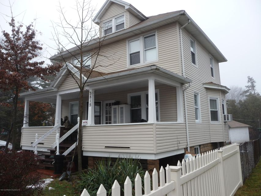 Single Family - Detached in Great Kills - 3815 Amboy Road  Staten Island, NY 10308