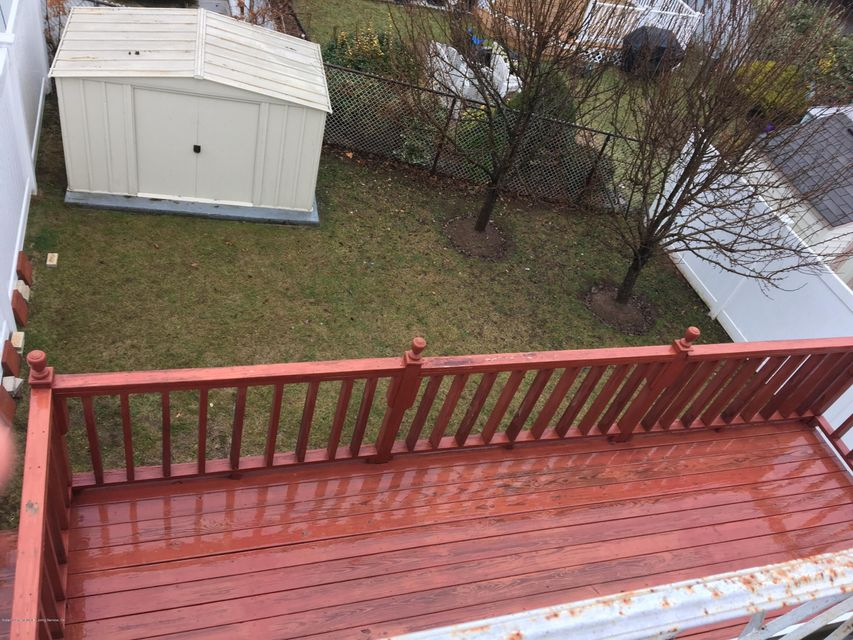 Additional photo for property listing at 32 Carpenter Avenue  Staten Island, New York 10314 United States