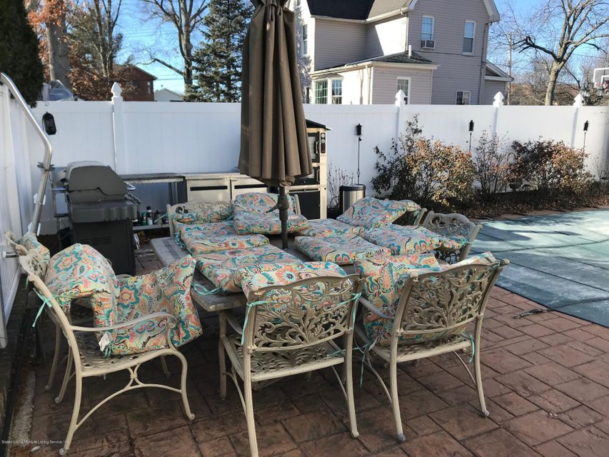 Two Family - Detached 568 Yetman Avenue  Staten Island, NY 10307, MLS-1115993-20