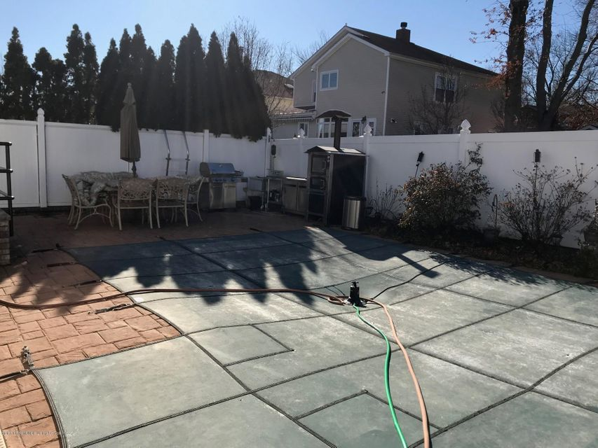 Two Family - Detached 568 Yetman Avenue  Staten Island, NY 10307, MLS-1115993-23