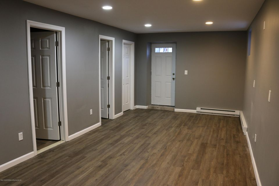 Single Family - Detached 146 Westervelt Avenue  Staten Island, NY 10301, MLS-1116038-20