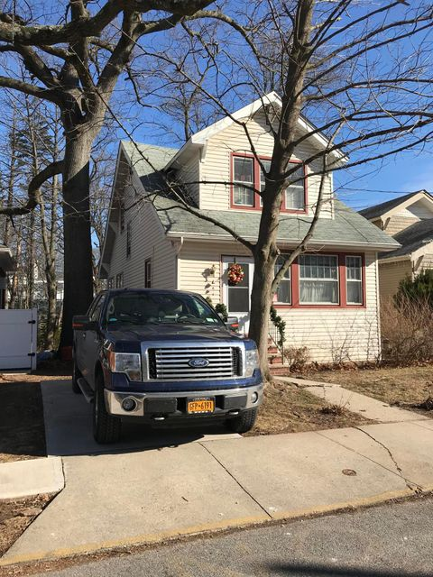 Single Family - Detached 177 Lindenwood Road  Staten Island, NY 10308, MLS-1116214-16