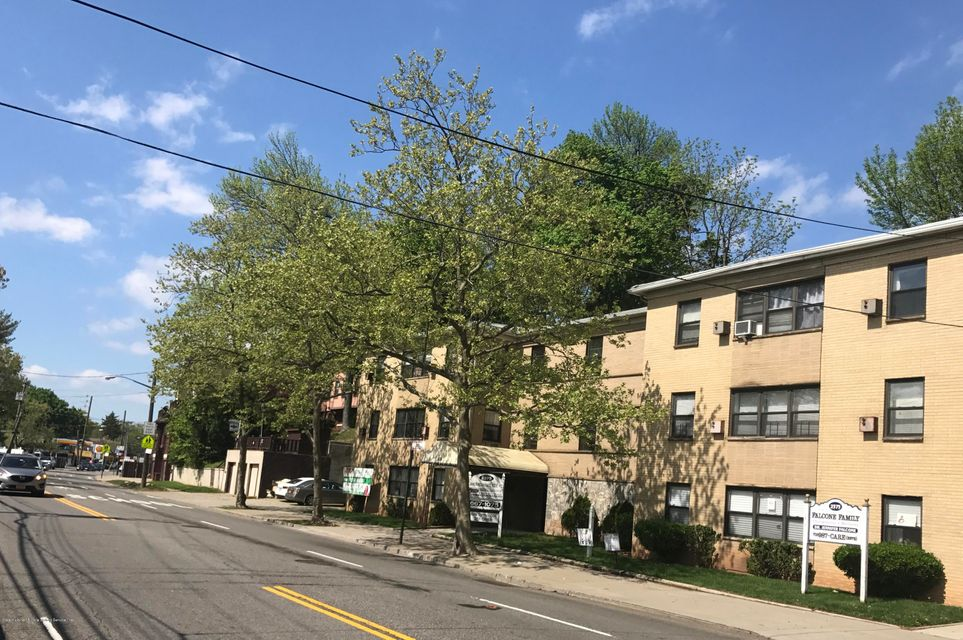 Commercial for Rent at 2375 Richmond Road Staten Island, 10306 United States