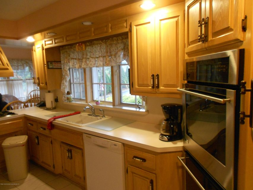 Single Family - Detached 417 Ocean Terrace   Staten Island, NY 10301, MLS-1116278-13