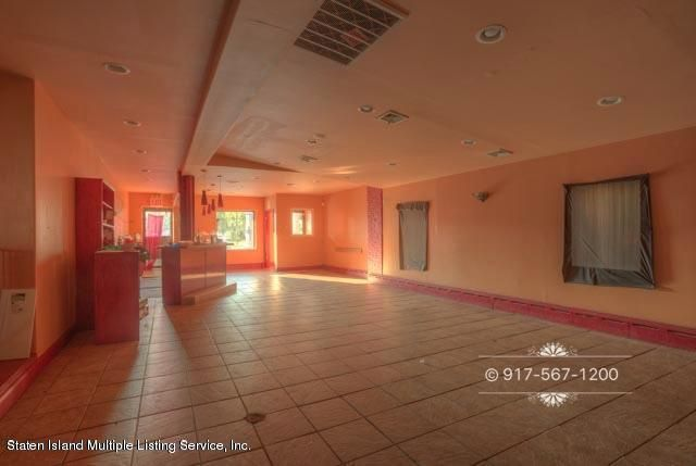 Additional photo for property listing at 121 Roma Ave  Staten Island, New York 10306 United States