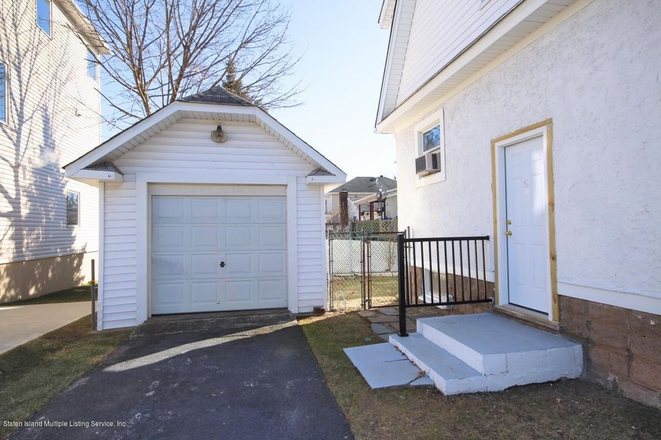 Additional photo for property listing at 526 Falcon Avenue  Staten Island, New York 10306 United States