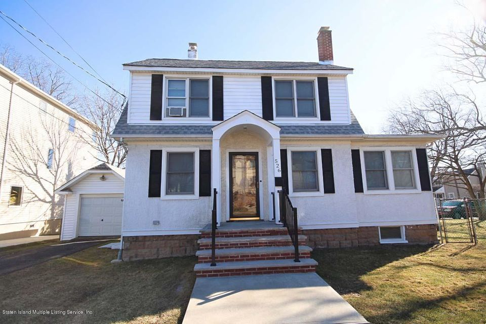 Single Family Home for Sale at 526 Falcon Avenue Staten Island, New York 10306 United States