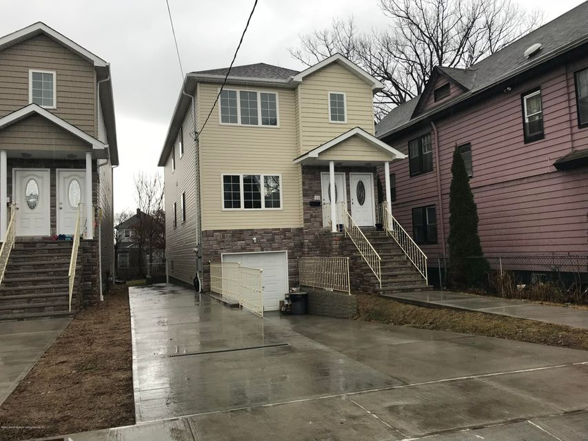 Single Family Home for Rent at 35 Elm Street Staten Island, New York 10310 United States
