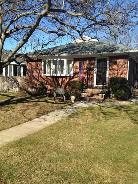 Single Family - Detached 35 Ravenhurst Avenue  Staten Island, NY 10314, MLS-1116420-2